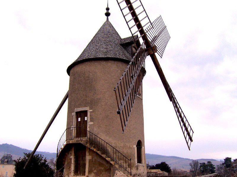 LE MOULIN A VENT EN BEAUJOLAIS