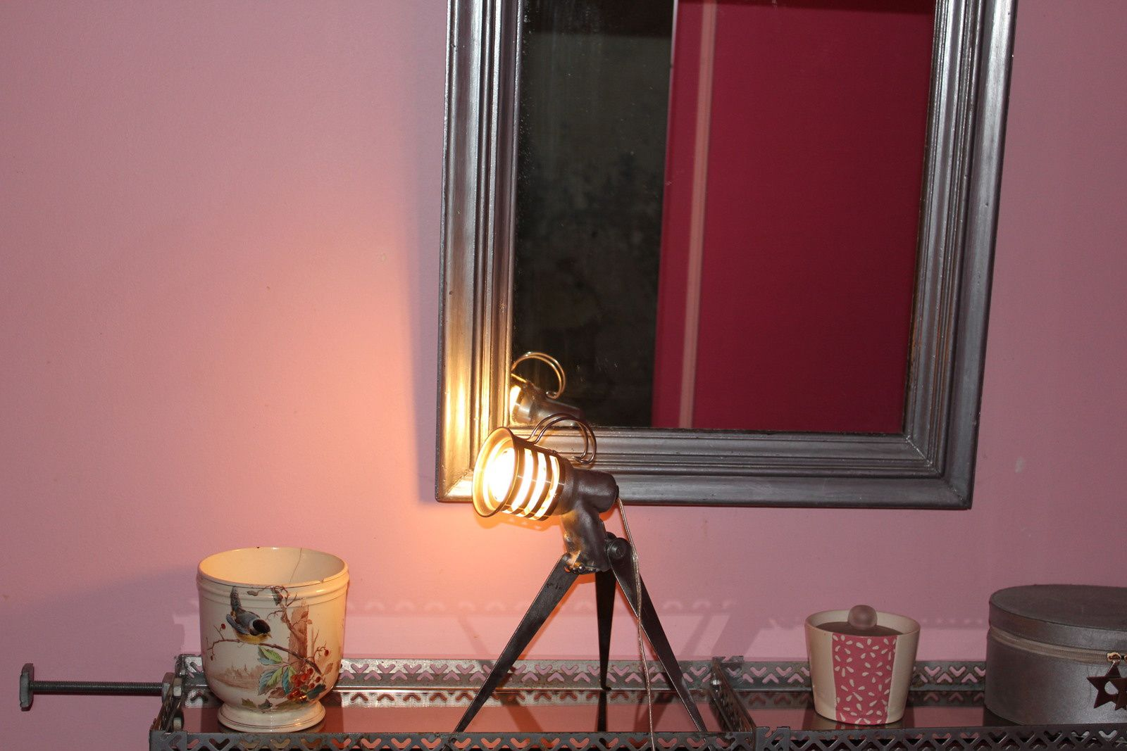 lampe cr er en m tal de r cup ration et objet d tourn s. Black Bedroom Furniture Sets. Home Design Ideas
