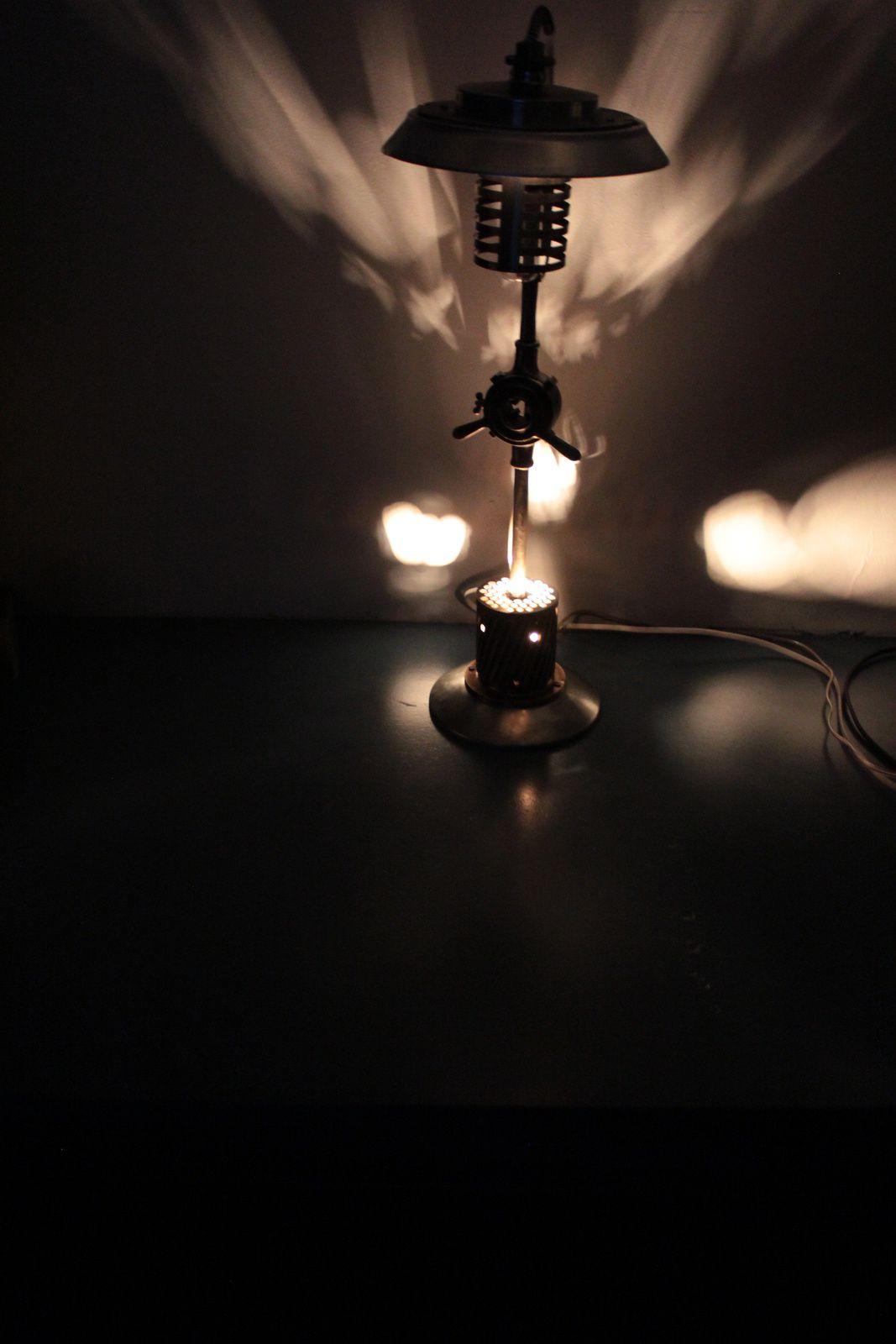 luminaire 2 en 1 lampe et lumi re d 39 ambiance dans l spris r cup la lumiere recup design. Black Bedroom Furniture Sets. Home Design Ideas