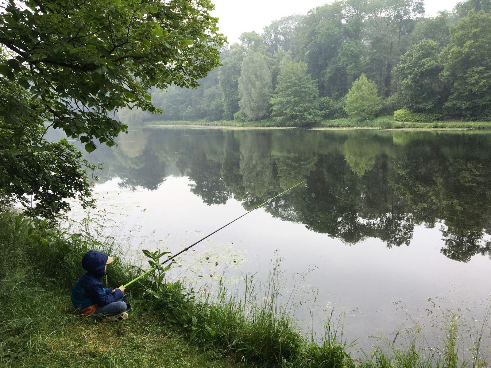 Simon à la pêche