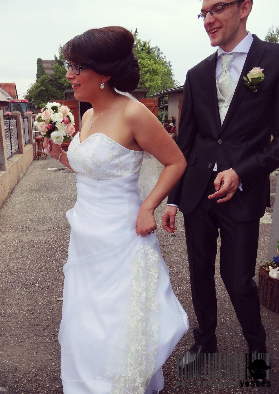 La robe de mariée, que j'ai de mes doigts cousu.