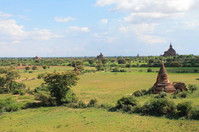 Visiter la Birmanie au mois de septembre - fin de saison des pluies- vous permettra d'éviter les touristes et d'avoir le site rien que pour vous! :-)
