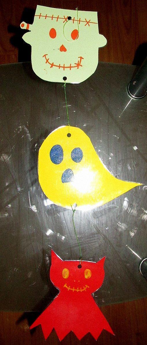 Suspension d'Halloween : La sienne &#x3B; recto et verso.