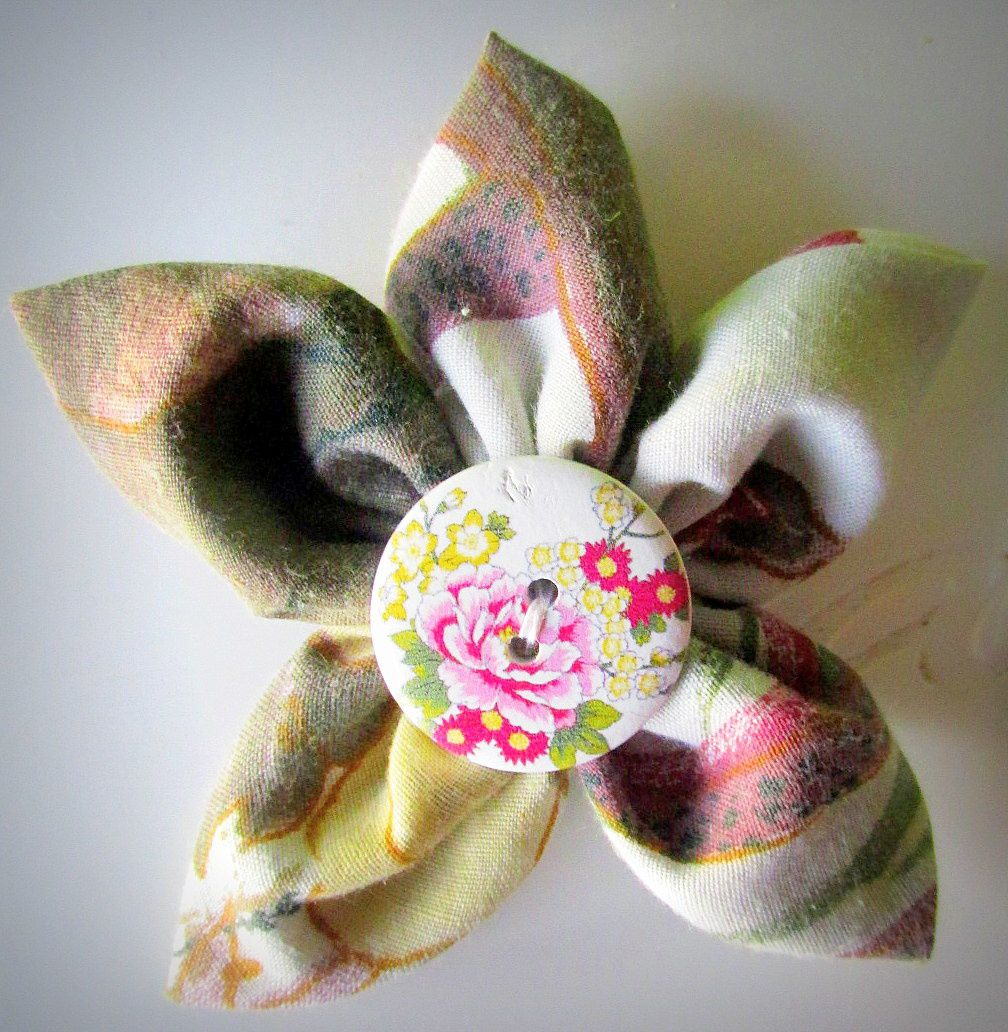 1. Barrette fleur aux pétales pointus 2. Ornement pour cheveux