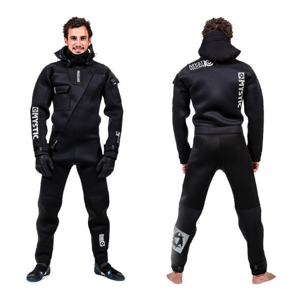 Combinaisons séches / Drysuits au magasin Kites And Boards Grenoble
