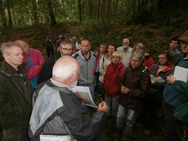 Pierre DANET explique ici la géologie locale...