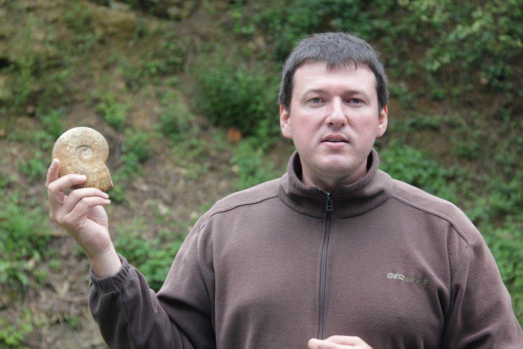 ... avec pour chacun d'eux des explications très complètes... que ce soit les ammonites...