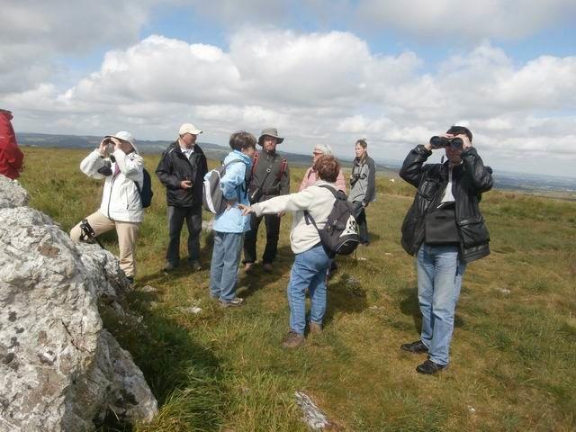 Ici ces sont les blocs de Grès Armoricains du sommet que montre Maryvonne RENAULT mais pas seulement pour la géologie...