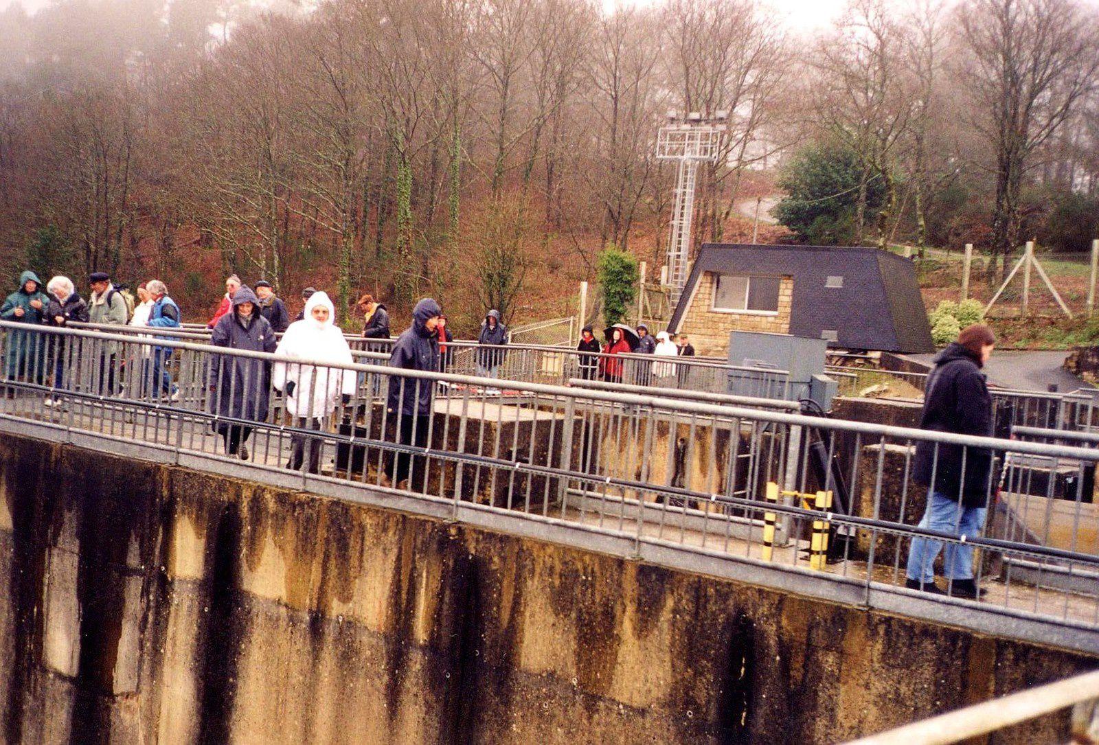 Du sommet (assez étroit) du barrage...