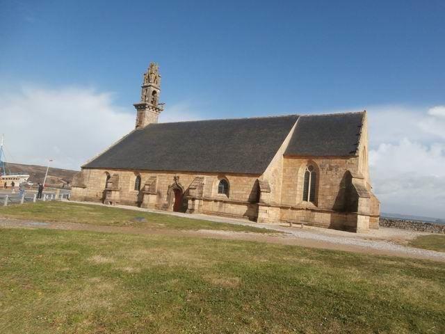 La chapelle dite de Rocamadour... dont les obus anglais ont enlevé une partie du clocher...