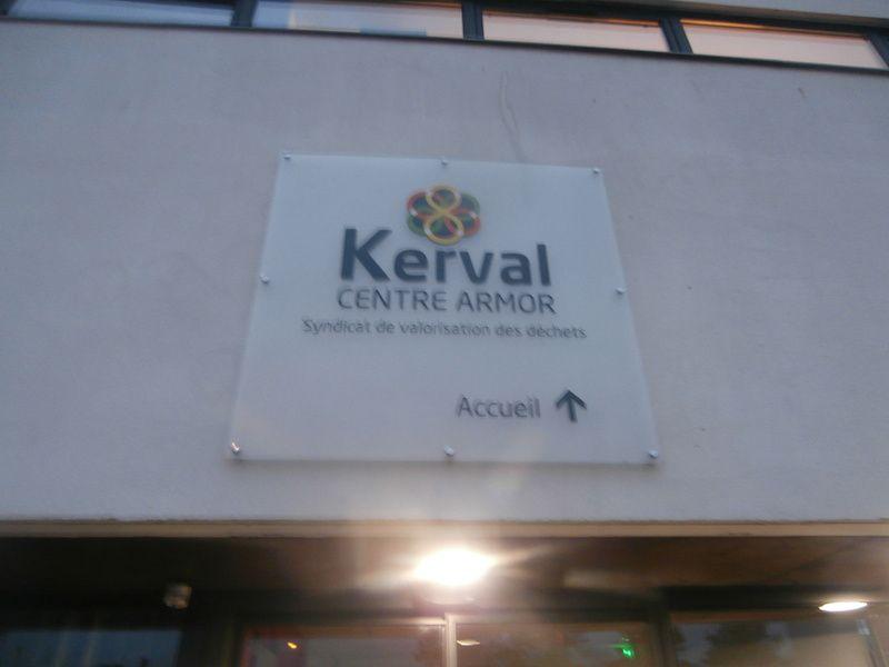 ... géré par KERVAL Centre Armor.