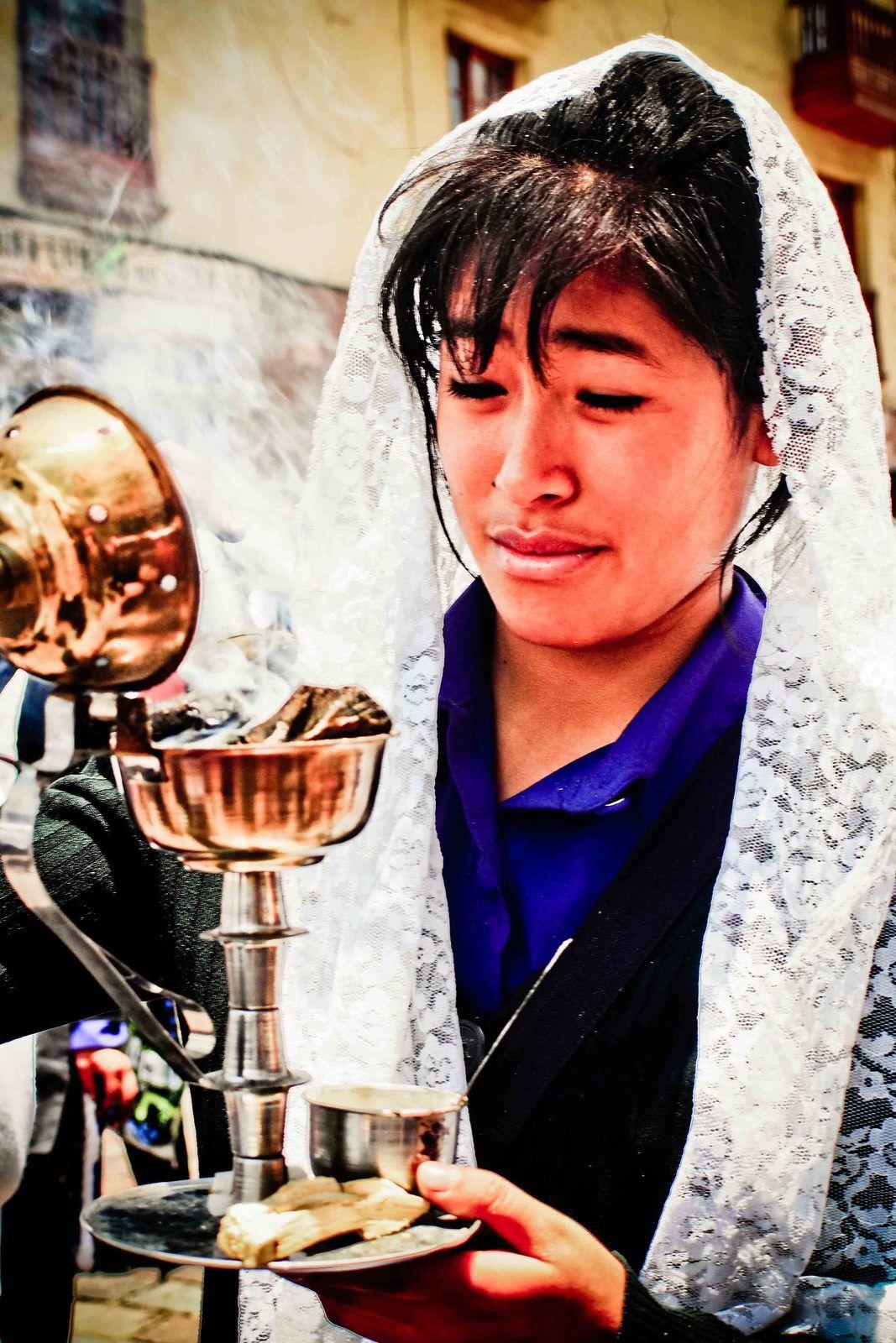 Processsion et défilé dans les rues de Cusco