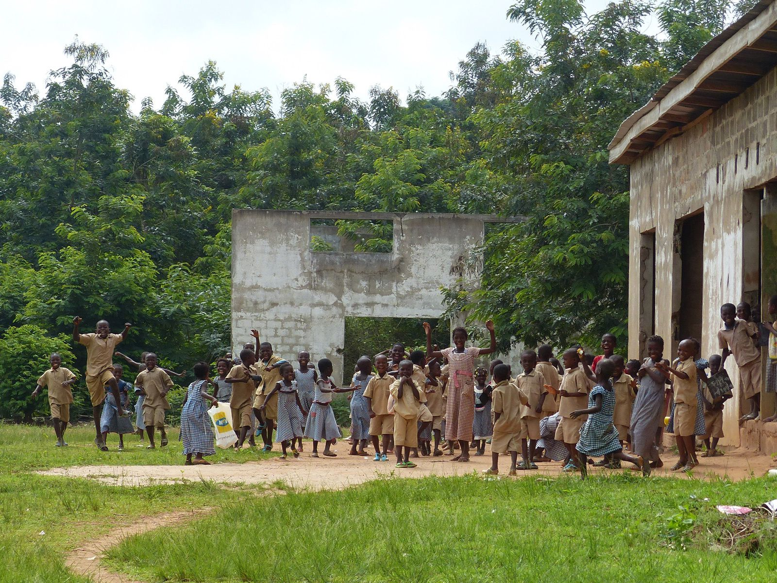 Au hasard des tournées en Brousse : Niafuta