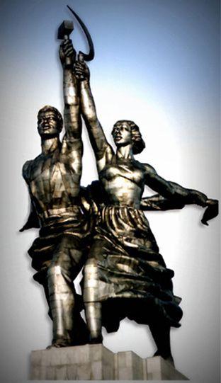 L'Ouvrier et la Kolkhozienne (URSS) et Le Guerrier (IIIe Reich)