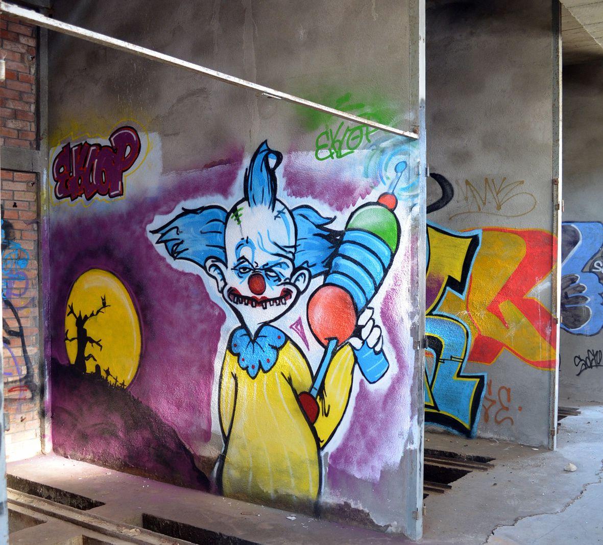 « Street art » à la campagne : L'ancienne usine d'asphalte d'Avéjan, un nouveau lieu d'Art urbain.
