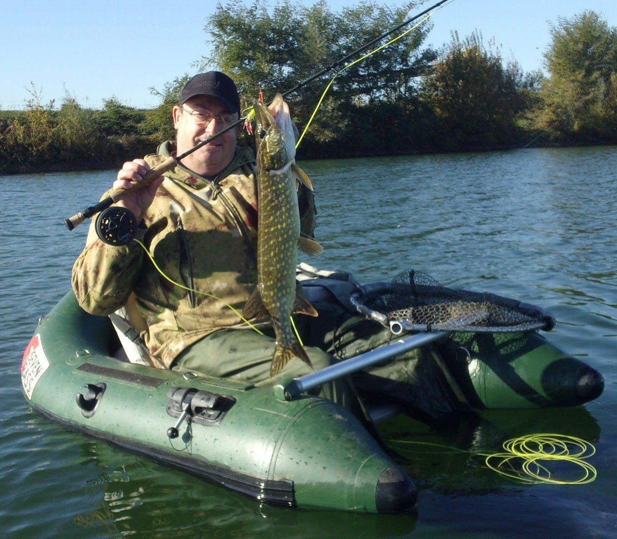 Quelques sessions pike ply en float-tube !!!!