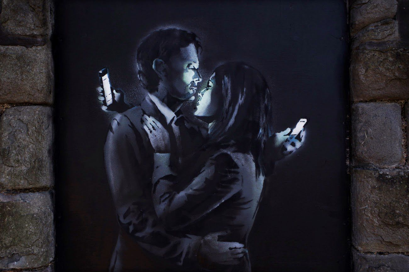 Banksy new mural &quot&#x3B;Mobile Lovers&quot&#x3B;