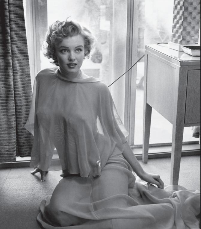 M.M, 1953, ©PHILIPPE HALSMAN/MAGNUM, courtesy Galerie de l'Instant, Paris