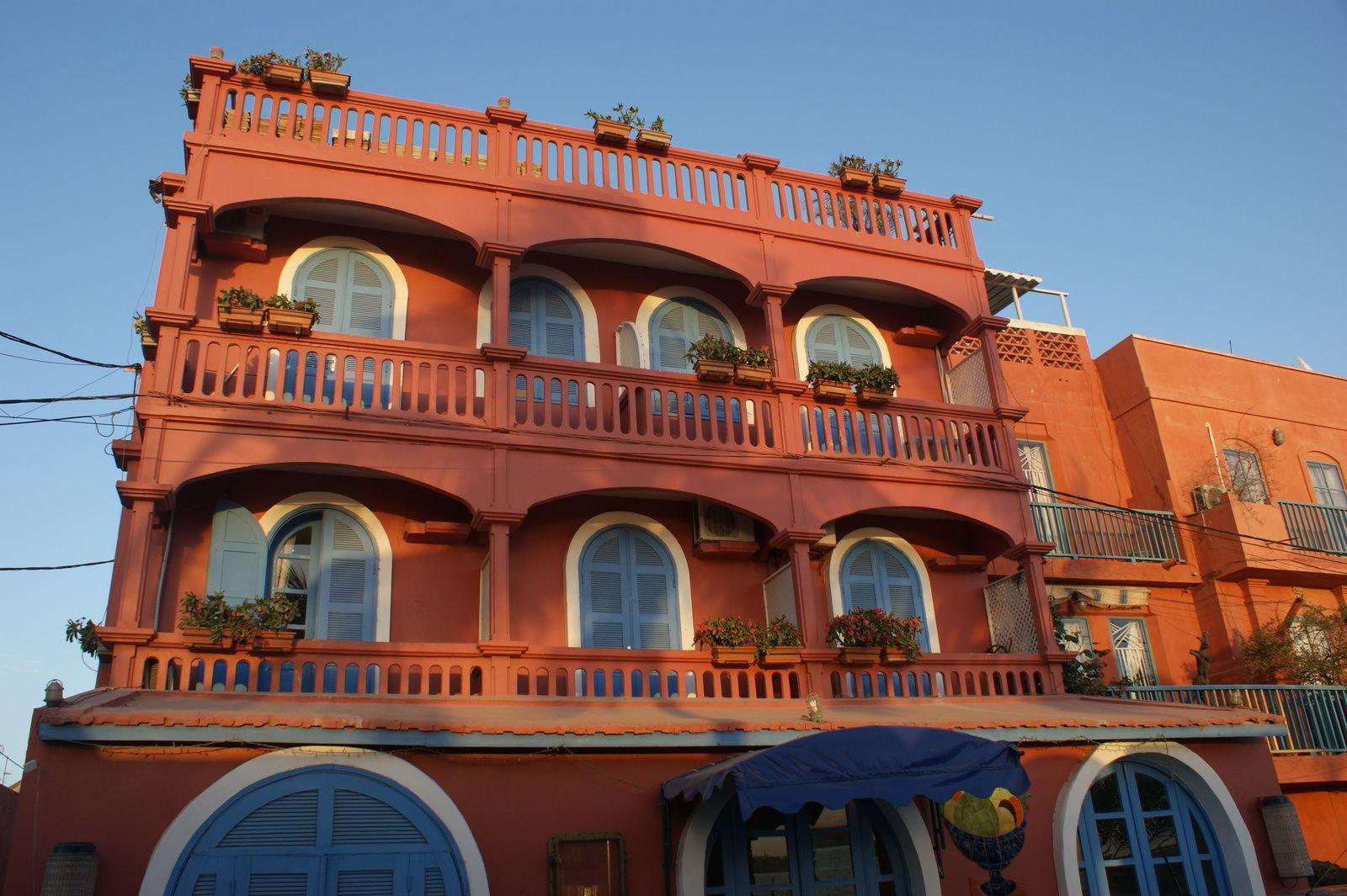 L'Hôtel Sindoné à SAINT LOUIS: la meilleure table de la ville, gastronomie de haute qualité et accueil chaleureux dans un magnifique hôtel de charme!