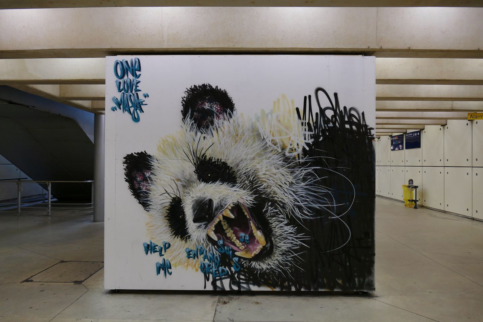 giant panda....oeuvre de Louis Masaï- photos by Chry 8 juillet 2015...