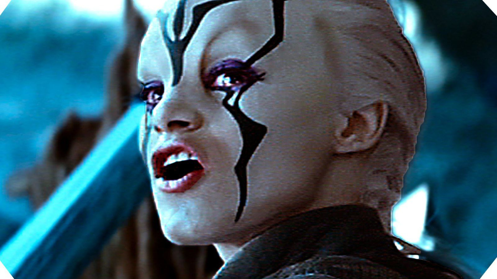 Un nez, une bouche, des yeux et des oreilles, avec une touche de maquillage : effectivement, c'est une extraterrestre. DR.