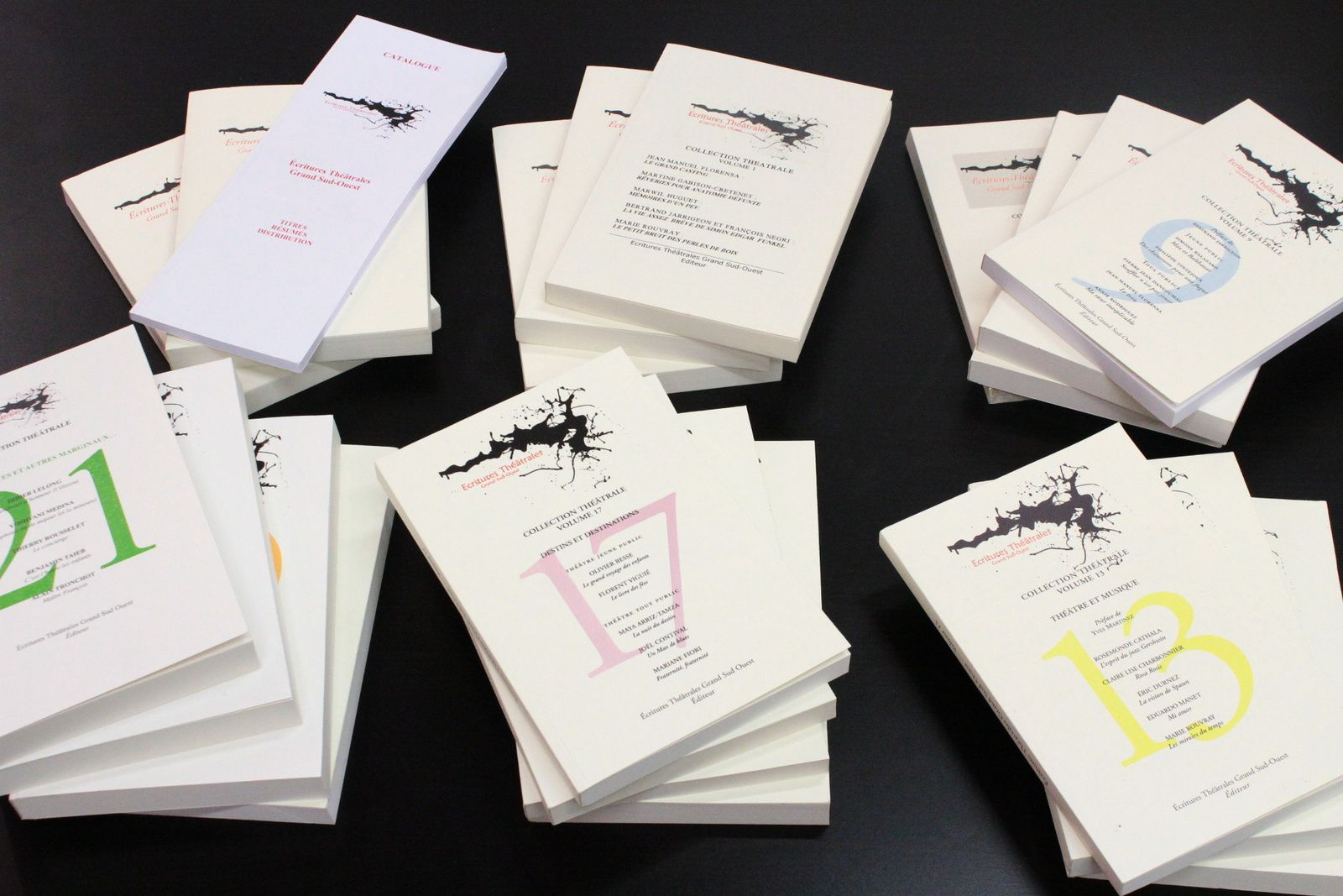 Encore des livres pour la Dramathèque!