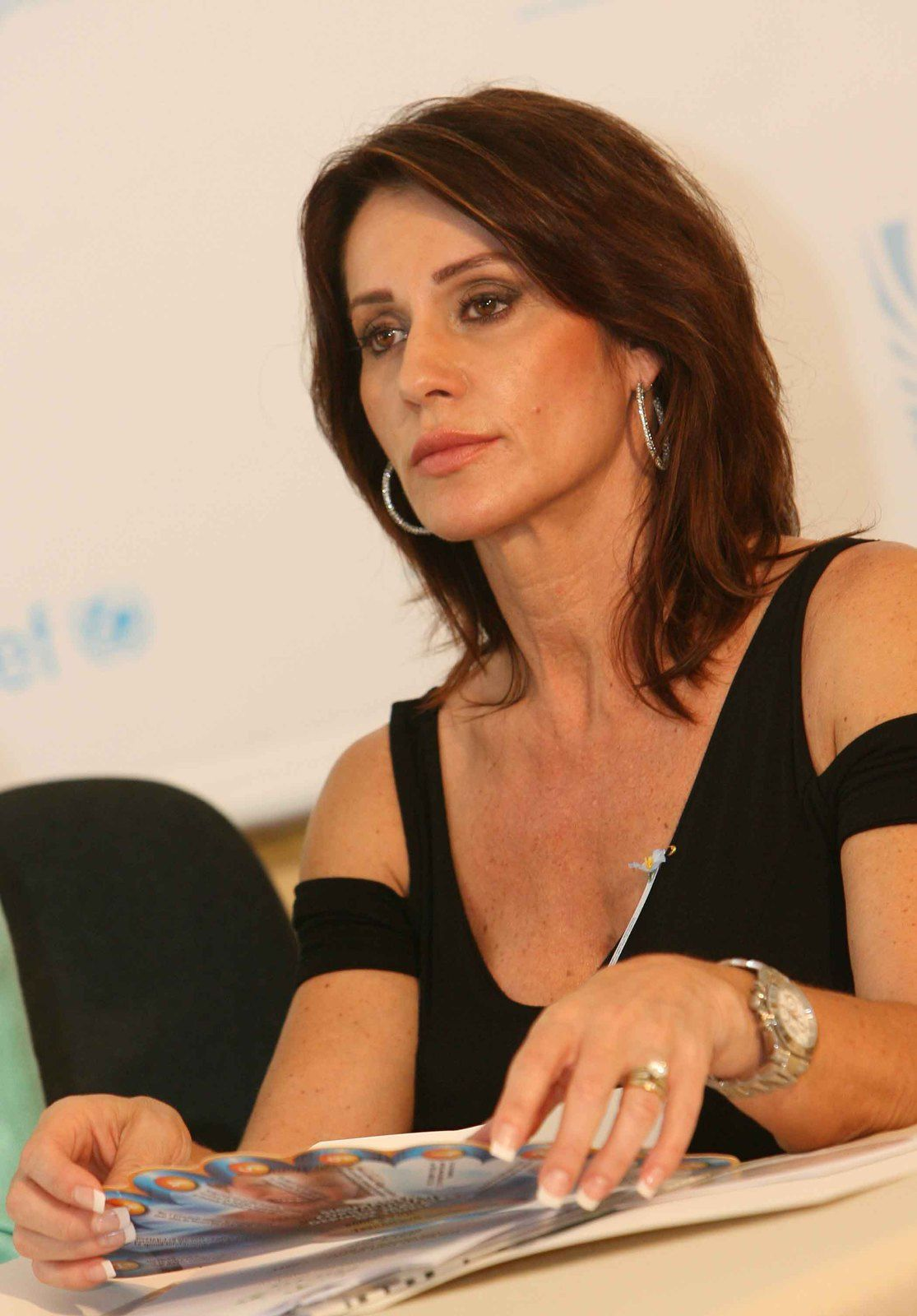 Nadia Comaneci was the first ever Olympic gymnast to achieve a perfect ten score : Olympic gymnast Nadia Comaneci gives advice to startups : As an entrepreneur and a gymnast, you have to be UNWILLING TO STOP