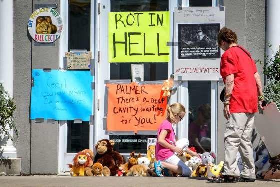 Les Etats-Unis demandent au tueur de Cecil de se manifester - Walter Palmer toujours recherché