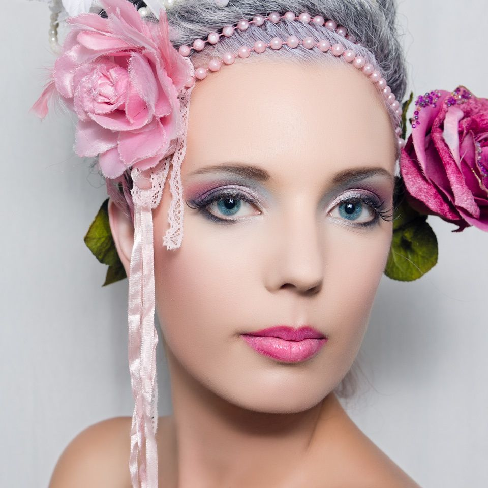 Maquillage rose mariage perfect les astuces de pro pour un maquillage des yeux verts with - Maquillage nude mariage ...