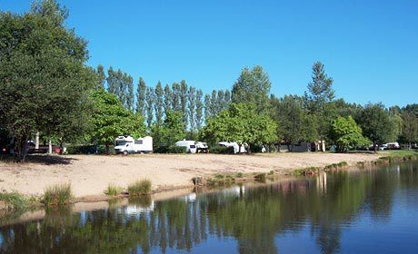 Camping de Saint-Sauveur-en-Puisaye