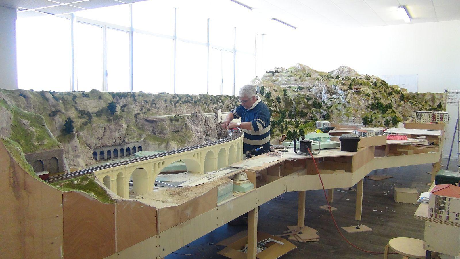 Vidéo de la construction, semaine du 14 au 18 Avril 2014 - Mini World Lyon