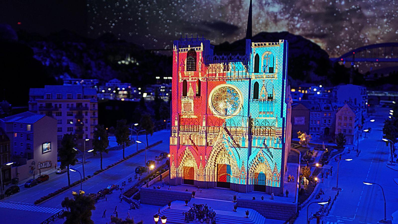 Fête des Lumières à Mini World Lyon du 8 décembre 2016 au 2 Janvier 2017, en journée.