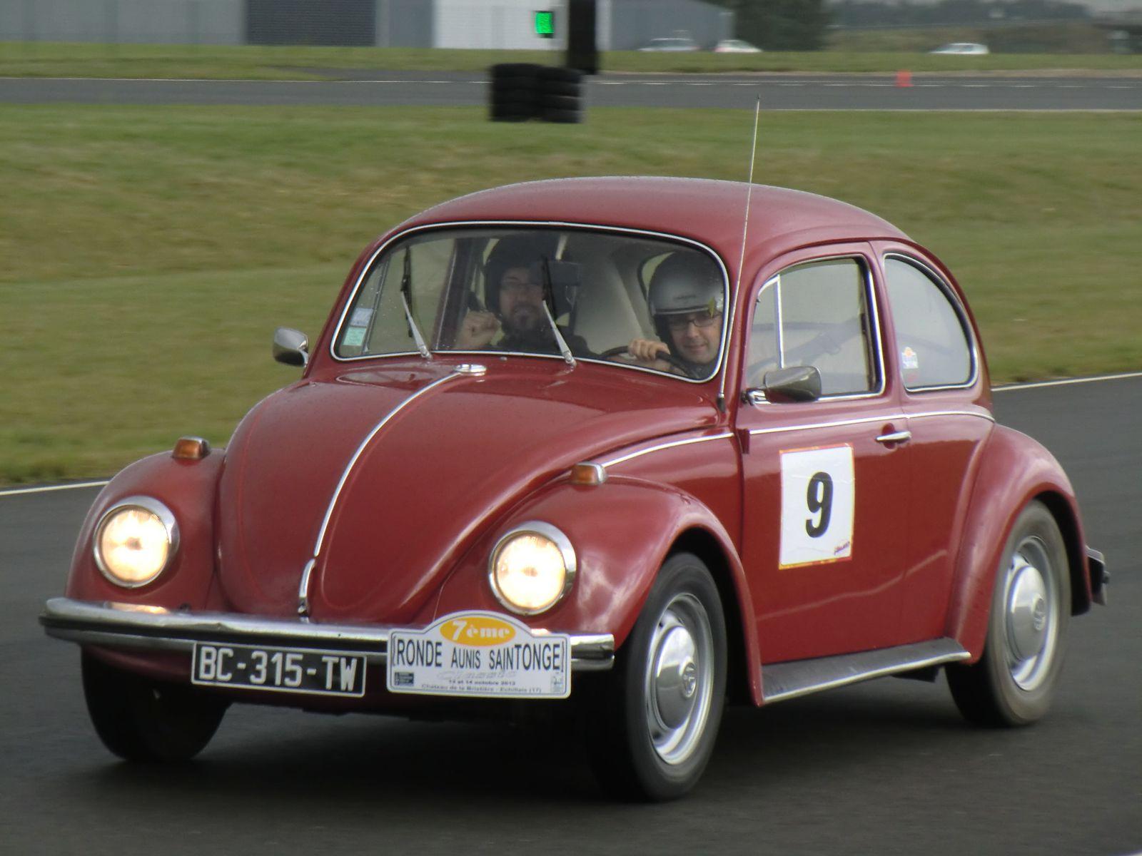Circuit Pôle Vendée (85) Fontenay Le Compte en VW cox de 1970