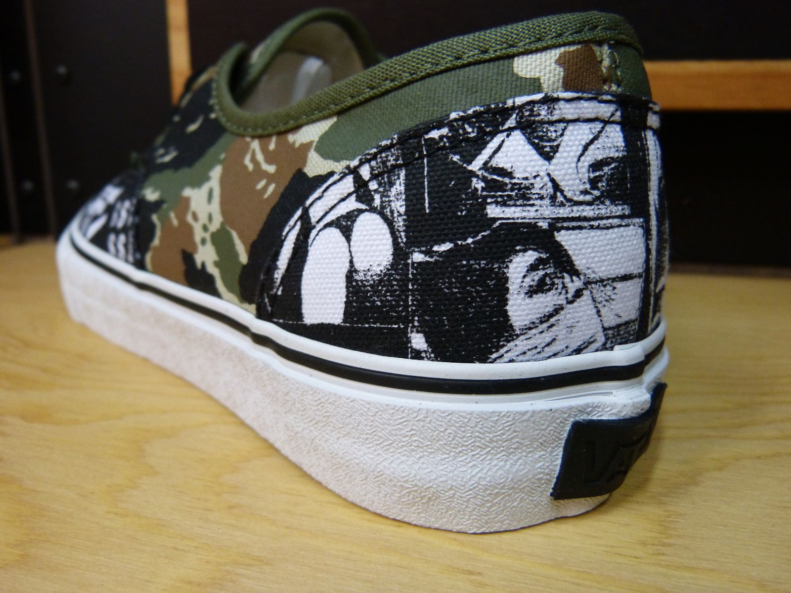 VANS SYNDICATE Authentic PRO China Girl