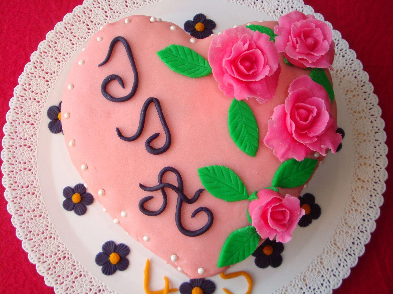 Gâteau d\u0027anniversaire coeur