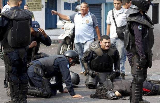 Venezuela: Guarimba sanglante à Tachira