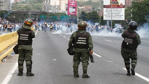 Venezuela : Un Garde National assassiné lors des protestations violentes