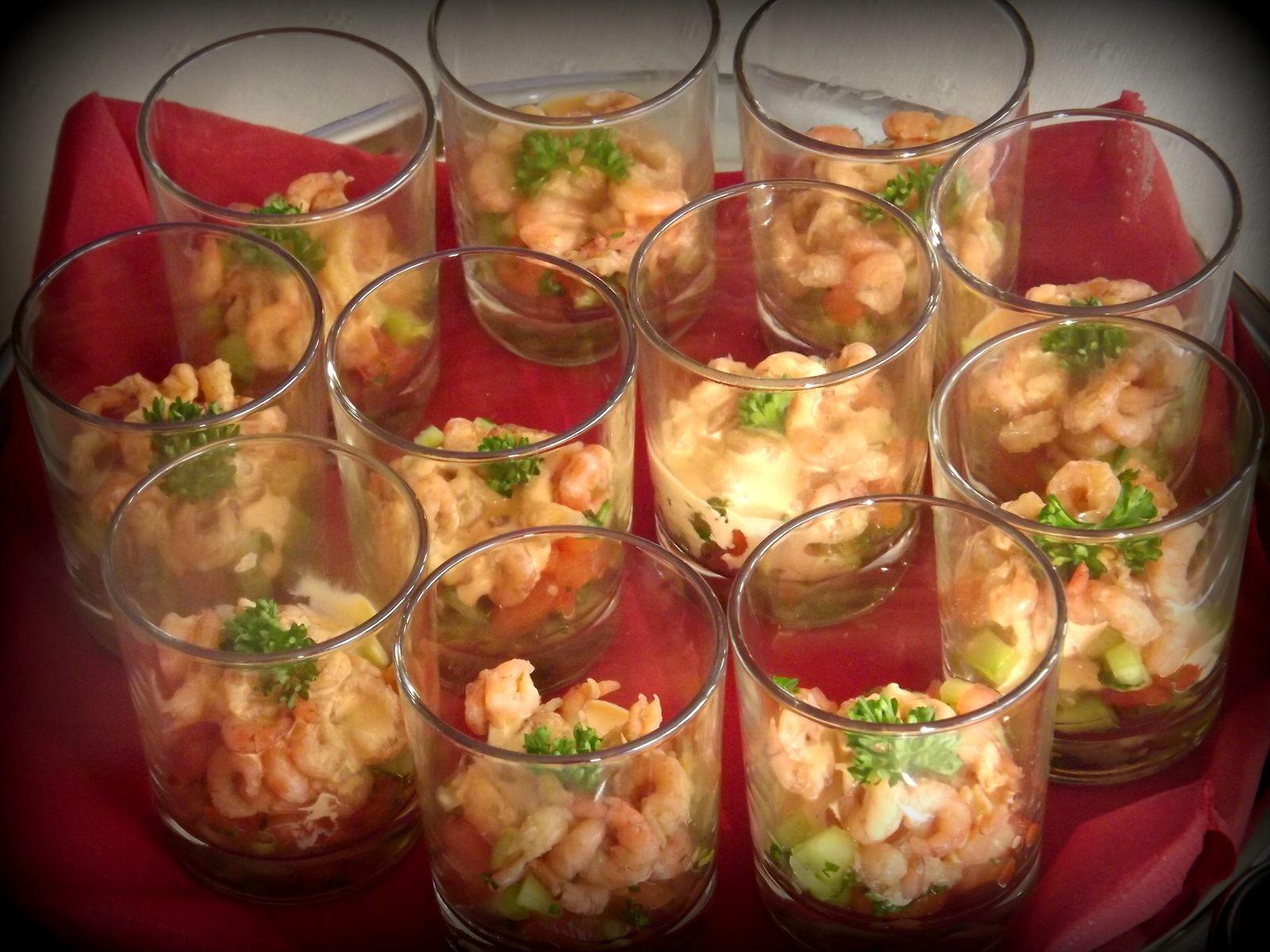 Verrines fra cheur aux crevettes grises feuilles de chou - Petites cuilleres aperitives pour apero sympa ...