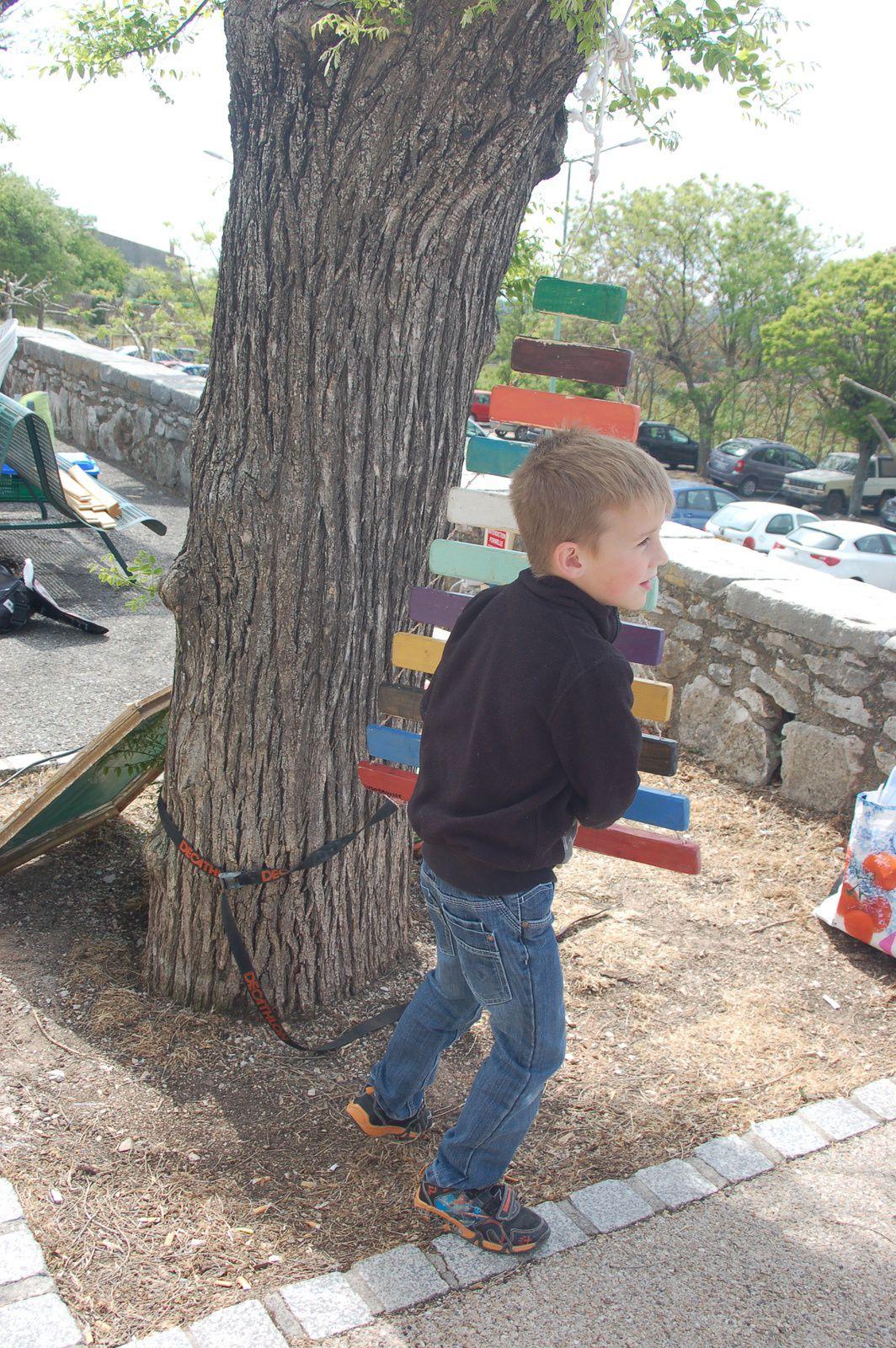 Mini Boun :Régusse accueille les enfants autour des arts de la rue .