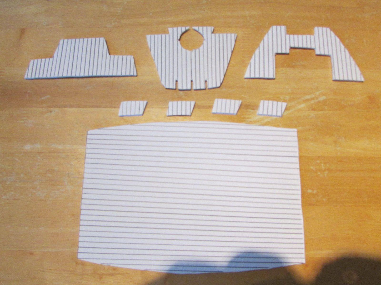 Le carton plume taillé pour recouvrir les différentes surfaces