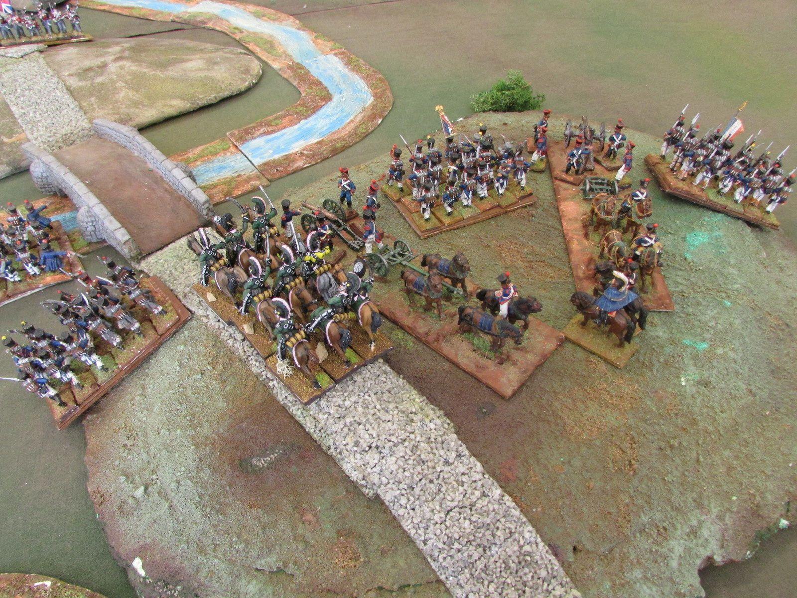 La cavalerie légère mais très costaud des francais attend en embuscade pour parer aux ardeurs de l'ennemi. L'artillerie est placé et prete à faire feu...