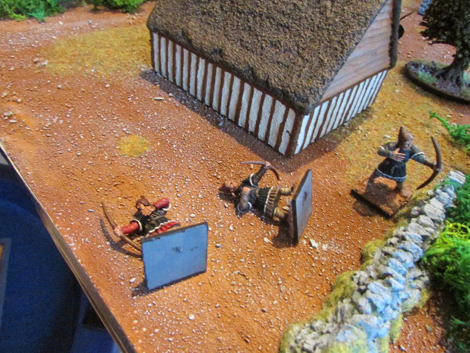 Les premiers tirs sont dévastateurs pour les défenseurs qui tombent un à un.