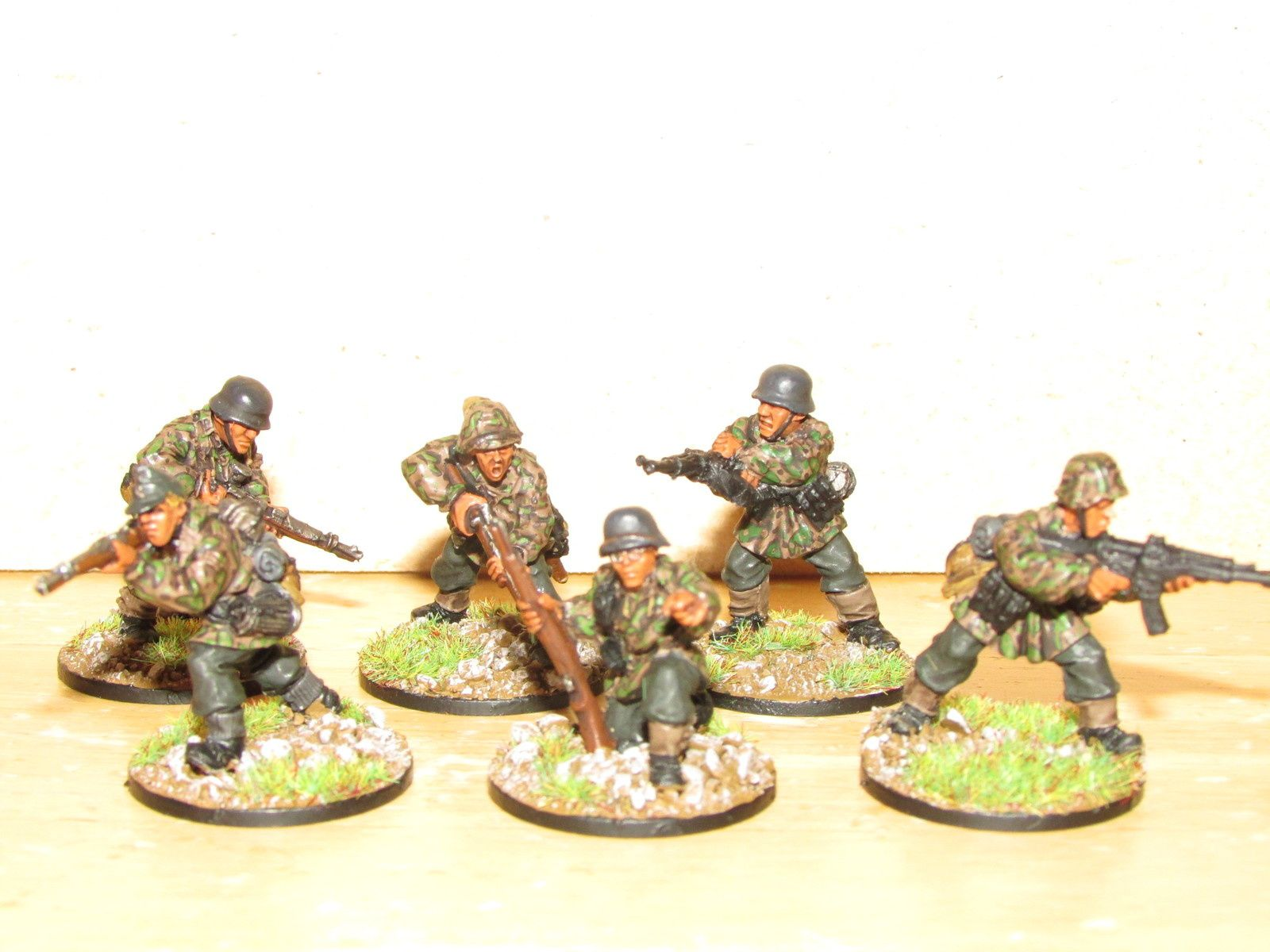 La première squad de waffen SS, je ne n'ai pas pu attendre la deuxième pour la partager, voila donc Yourgen et ses potos qui partent en guerre.