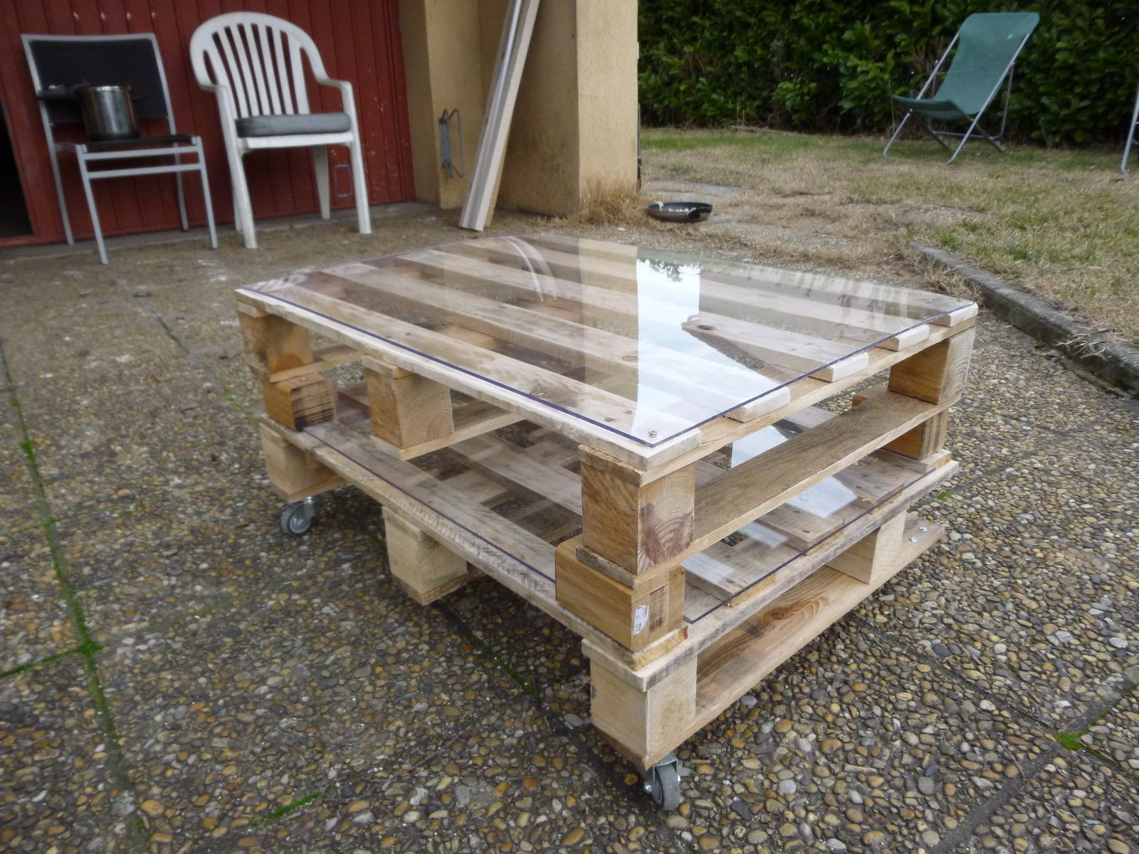 Table base de salon en palettes