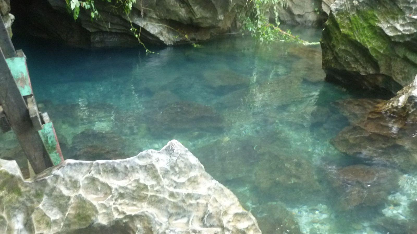 Autre lieu de détentes et de recueillements de nouveau des grottes  des espaces de détentes et un lieu sacré pour la baignade
