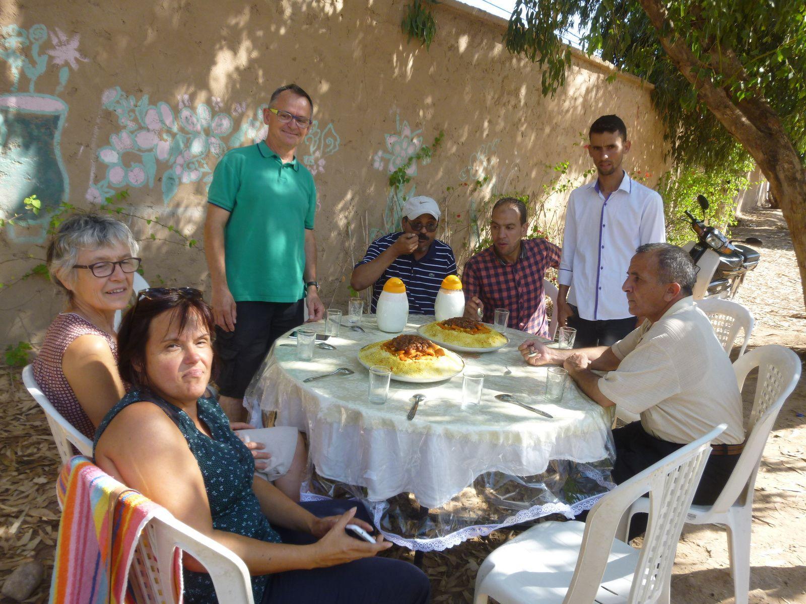 La convivialité marocaine une fois de plus appréciée. Couscous, tajine le plaisir de la cuisine marocaine