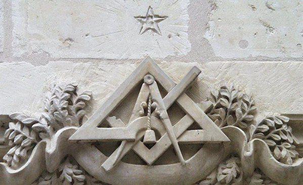 Les outils du Franc-maçon - Temple maçonnique de Chinon