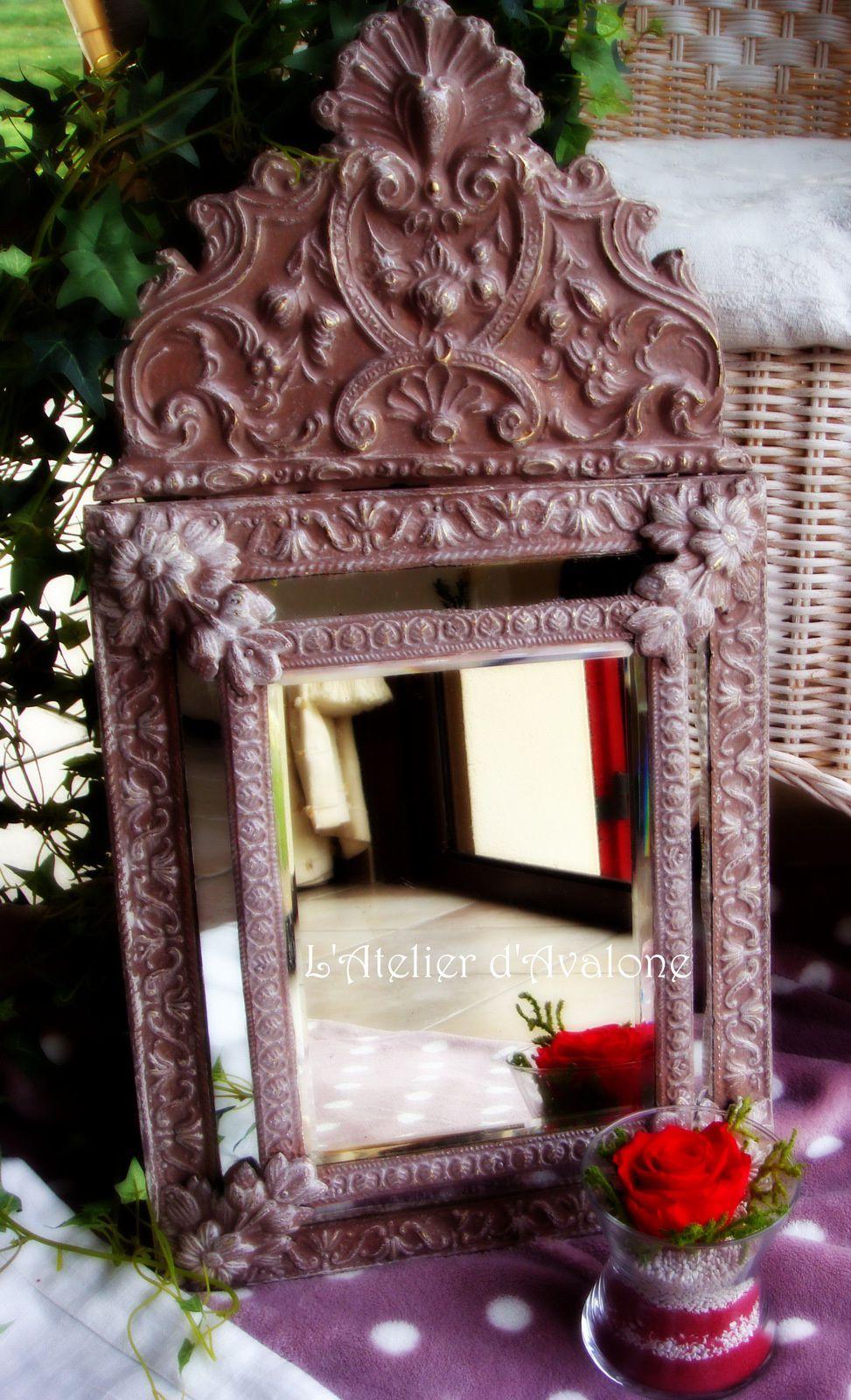Relooking d'un miroir ancien à parcloses avec une belle patine coloris Châtaigne. Février 2014.
