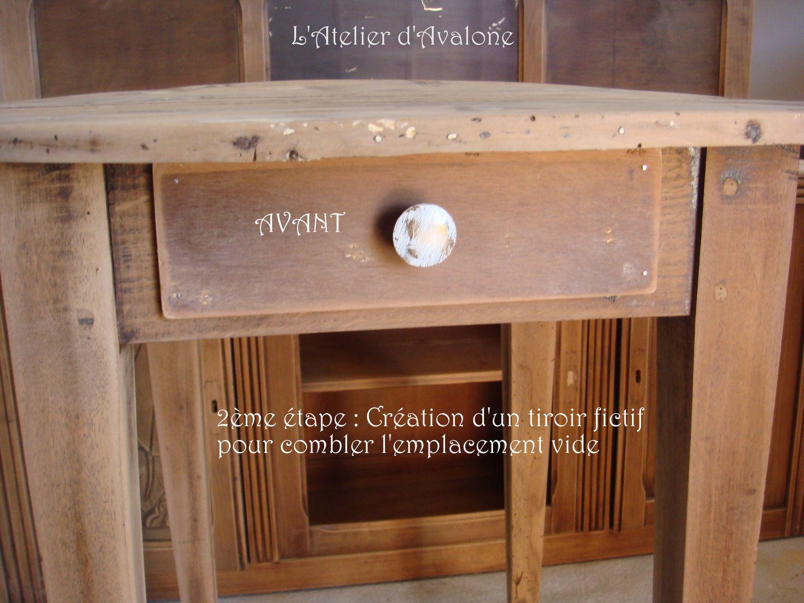 Restauration d'une jolie table ronde dans le respect de son style brocante. Avril 2014.