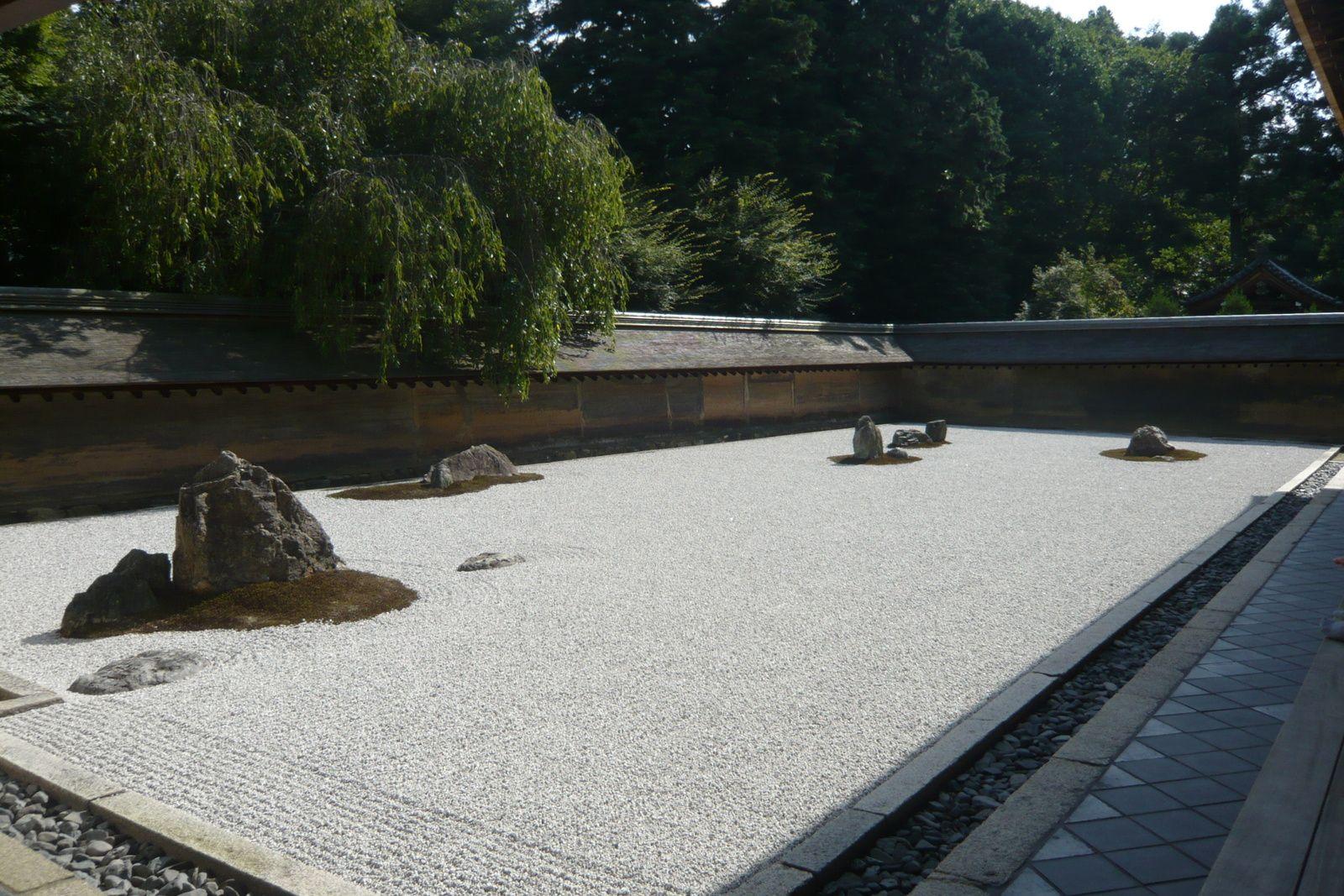 Le jardin sec du temple Ryōan-ji à Kyoto, Japon© Photographie Gilles Kraemer, juillet 2010